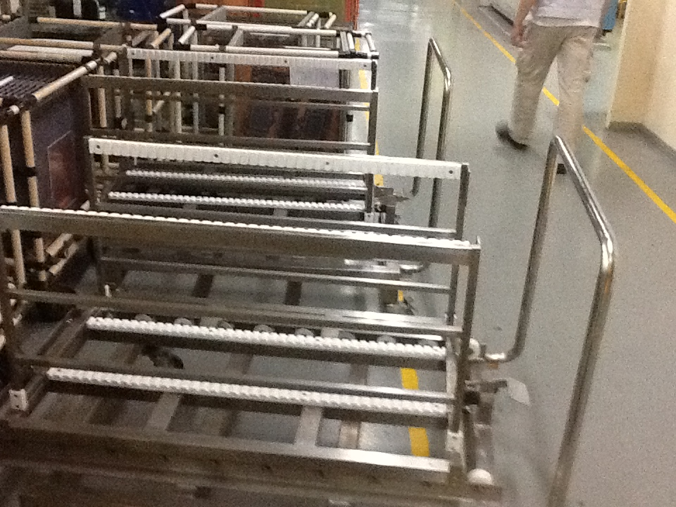 Q32846-Vui-Kong-SS-Trick-Board-Trolley